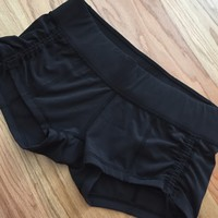 Lululemon Liberty shorts black scrunch 8