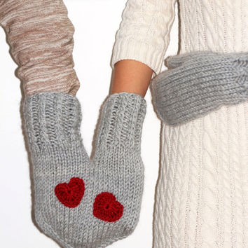 Hand-holding couple / family / lovers / friends mittens for two