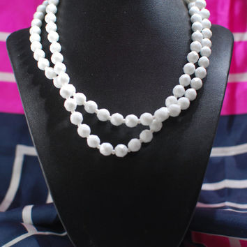 1930s Milk White Glass Beaded, Vintage Necklace with Barrel Clasp, Art Deco Geometric