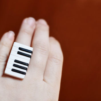 Piano ring, Music jewelry, Keyboard ring, Black and white, Music ring, Musical instrument ring, Polymer Clay, Piano jewelry, Adjustable ring