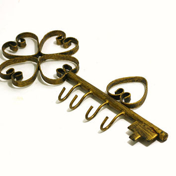 Fabricated Metal Key Holder Wall Mount Antique Gold | Key Shape Key Holder with Curlicue Hearts | 4 Hook Key Holder