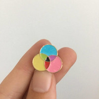 Colour wheel enamel pin