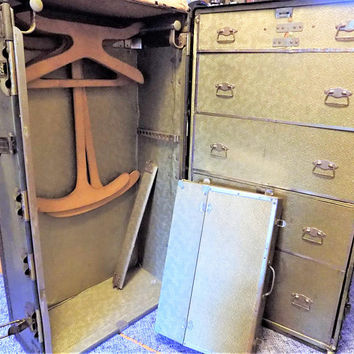Likly Wardrobe Trunk, Large Trunk Travel Baggage, Roomy Large Steamer Trunk with Hangers, Early 1900s Luggage
