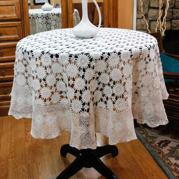 White Crochet Tablecloth, Round Crochet Tablecloth, Wagon Wheel Motif, Shabby Chic, Country Decor, Vintage