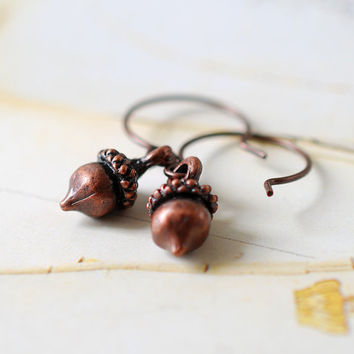 Tiny Acorn Earrings. Antiqued Copper Acorn Earrings. Woodland Jewelry, Autumn Fall Earrings, Squirrel Nuts
