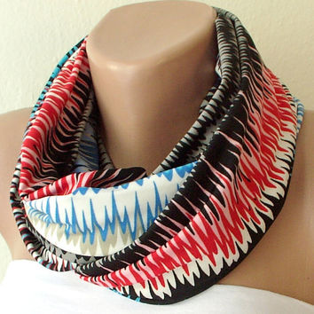 Rainbow tone colors chevron jersey cowl