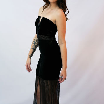 """Morticia"" Dress- Black Velvet"