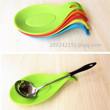 Five colors Kitchen Silicone  Spoon Insulation Mat Placemat Drink Glass Coaster Tray