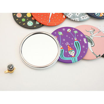Livework Circus in the universe round handy mirror