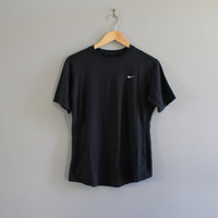 US Free Shipping Nike T-shirt Nike Sweatshirt Nike Black Tee Pullover Light Weight Activewear Vintage Nike Minimalist Size S #T157A