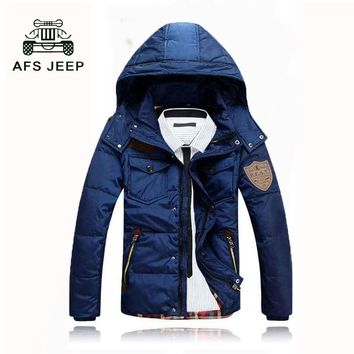 AFS JEEP Brand 2017 Winter Men's Down Jacket Men Down Jacket Hat Detachable Short Thicken Slim Fit Warm Coat M-3XL 98 T