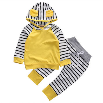 2PCS / Adorable Hooded Playsuit + Striped Pajamas Clothes Set for Boys\Girls Girls NB Boys