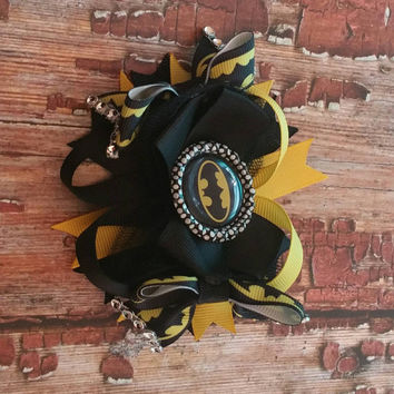 Batman hairbow, superhero hairbow, girls superhero bow, ready to ship, batman boutique hairbow, superhero hair clip