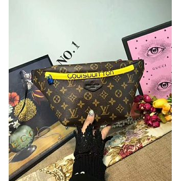 LV Louis Vuitton Stylish Ladies Men Leather Zipper Wallet Waist Bag Outdoor Single-Shoulder Bag Crossbody Yellow I-AGG-CZDL