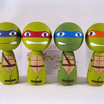 Kokeshi Heros  in a half shell Inspired Peg Dolls, TMNT