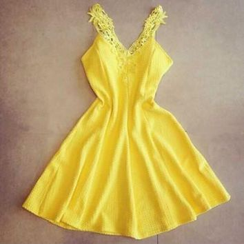 New Women Yellow Patchwork Lace Pleated Ruffle Sweet Mini Dress