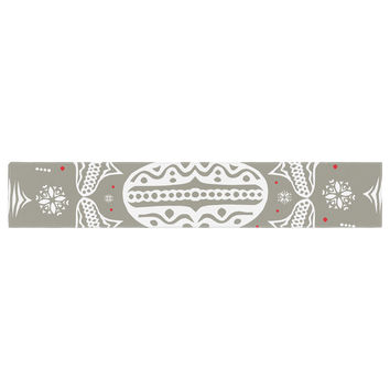 "Miranda Mol ""Deco Wreath Silver"" Gray Table Runner"