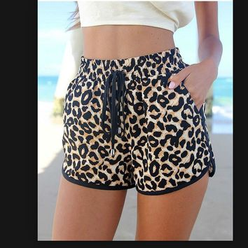 2016 summer European and American popular shorts cool leopard with super sexy women's Motion shorts Loose shorts at home