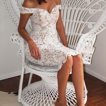 FASHION OFF SHOULDER LACE DRESS