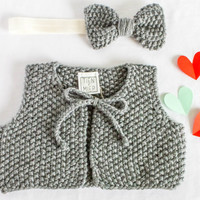 Baby winter vest + bow headband set, hand knitted short baby vest and bow headband. Cute baby girl coming home outfit