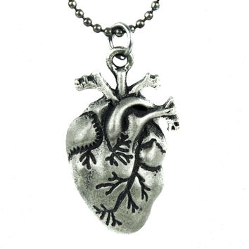 "1"" Small Anatomical Human Heart Necklace Gothic Jewelry"