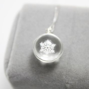 Snowflake Glass Ball Cute Necklace Jewelry