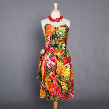 80s Hawaiian Strapless Sarong DRESS / 1980s Novelty Tropical FRUIT Print Rockabilly Dress M - L