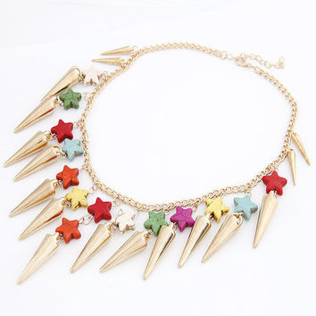 Golden Punk Style All-matching Rivet Short Pendant Necklace with Colorful Cute Star, Birthday Gifts, Party Jewelry, Lady Wearing 11042837