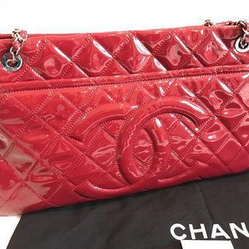 Chanel Hobo Bag - Beauty Ticks