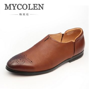 MYCOLEN 2017 Men Shoes Luxury Brand Carved Leather Casual Driving Shoes Men Loafers Moccasins Italian Shoes Business Men Flats
