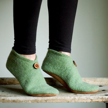 Women Slippers, Wool Felt Shoes, Eco Friendly, women size 9.5, Before Noon