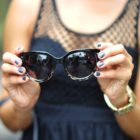 Simple Cat Eye Sunglasses: Black | Hope's