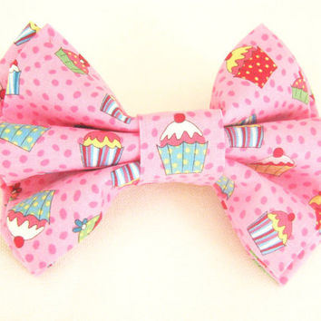 2d54e17fd5cd Pink dog bow tie Pet bow tie Detachable bow tie for dog / cat Cupcake dog