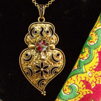 Portuguese gold Viana heart folk pendant necklace Portugal traditional jewelry art