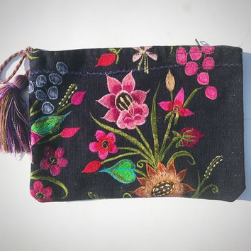 Embroidered Clutch Cosmetic Bag with Tassel