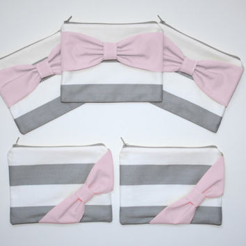 Bridesmaid Gift Set / Bachelorette Party Favors - Gray Stripes Light Pink Bow - Customizable Wedding Cases - Choose Quantity and Bow Style