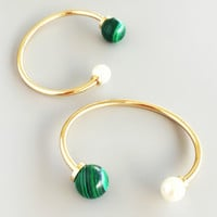 Emerald Marble & Pearl Bangle