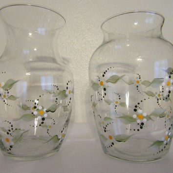Clear Glass Hand Painted Daisy Flower Vase - Two To Choose From - White Daisy With Yellow Center