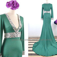 Long Sleeves Jersey V Neck Evening Gown, Green Jersey with Crystals Evening Dresses, Jersey Formal Gown, with Silt, Wedding Party Dresses
