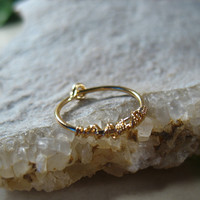 Hoop Earring Gold with Gold Tangled Single