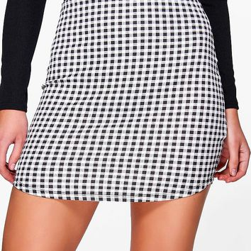 Arianna Curved Hem Gingham Check Mini Skirt | Boohoo