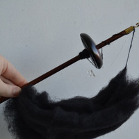 Wood Drop Spindle, Top Whorl Drop Spindle Wood Aspen Tree Dark Brown With Balck Wool, Spinning Tool, Learn How to Spin, Free Shipping