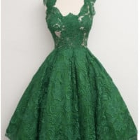 Scoop Green Lace Knee-Length Homecoming Dresses