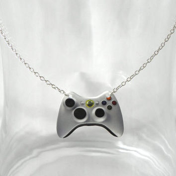 GIRL GAMER Xbox 360 Video Games Controller Necklace by PlayBox