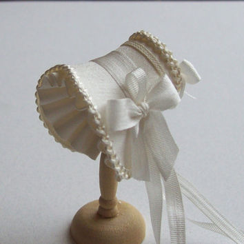 Beautiful handmade /12 dollshouse ivory shaped bonnet