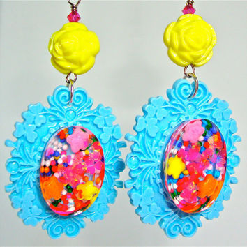 Kawaii kitsch earrings with candy resin with light blue shabby chic vintage frames with yellow acrylic vintage rose beads