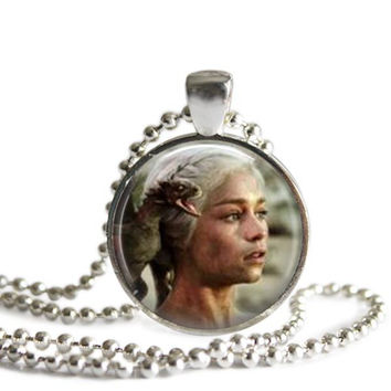 Daenerys Targaryen Silver Plated Picture Pendant Game of Thrones Necklace
