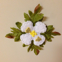 Flower magnets with bees