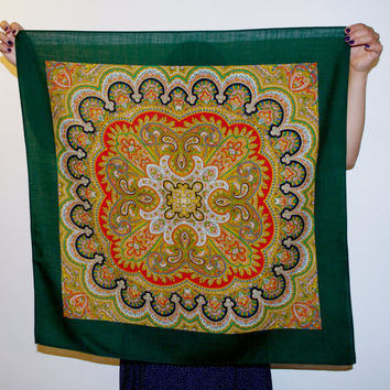 Paisley scarf kerchief headkerchief Green Vintage Ukrainian Shawl Folk Scarf Russian Ornament Headscarf Babushka Made in Czechoslovakia 70's