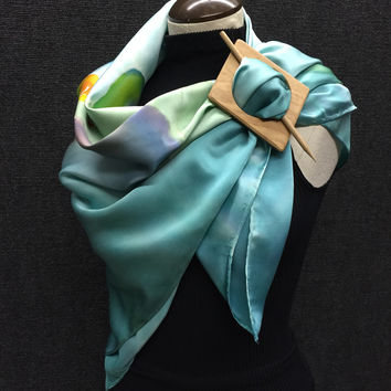 Tree Frog Climbing - Hand Painted Silk Scarf